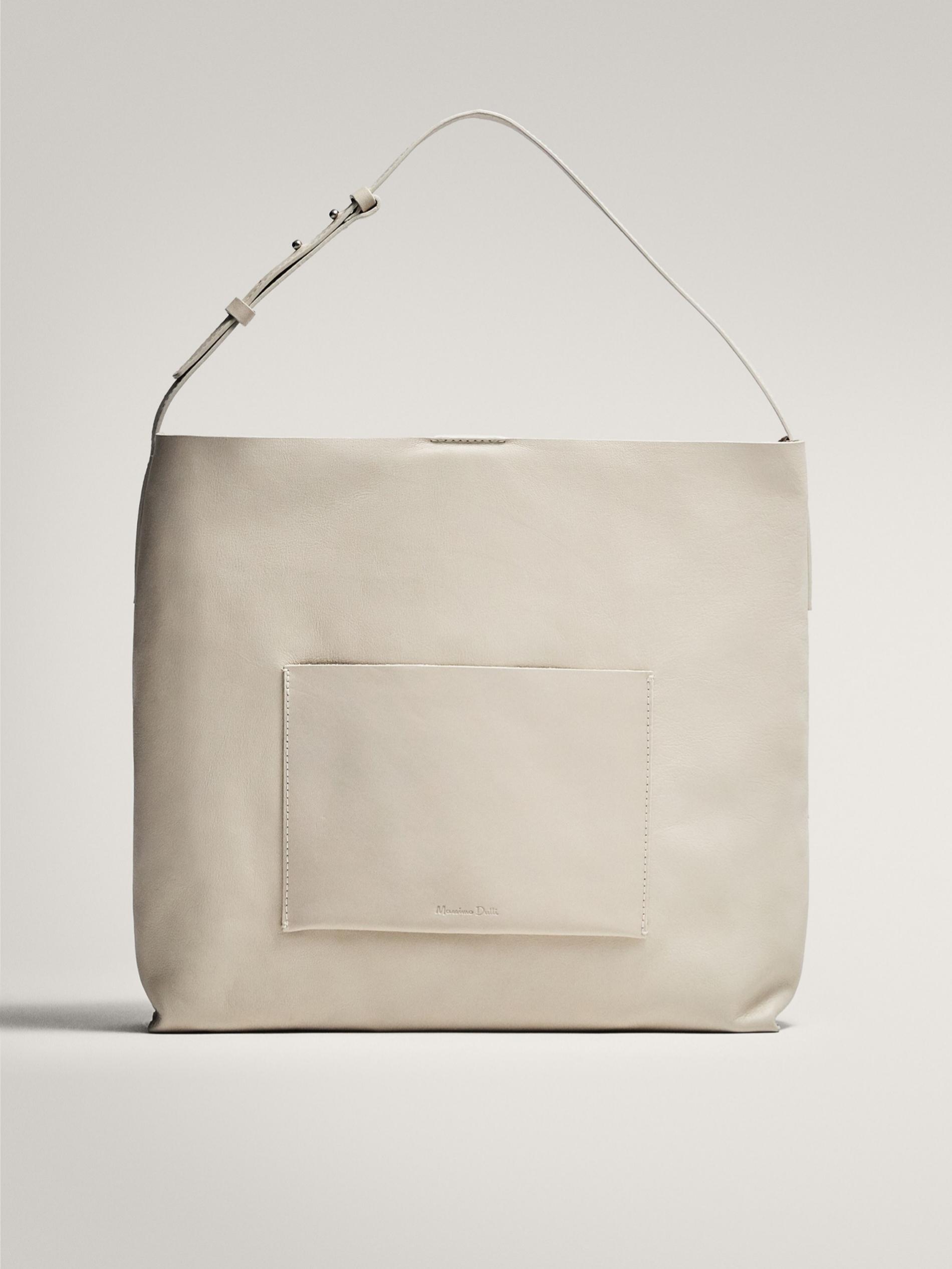 Bolso XL de napa en color blanco de Massimo Dutti