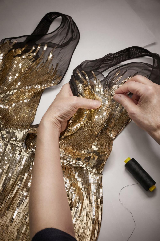 Parte superior del vestido dorado