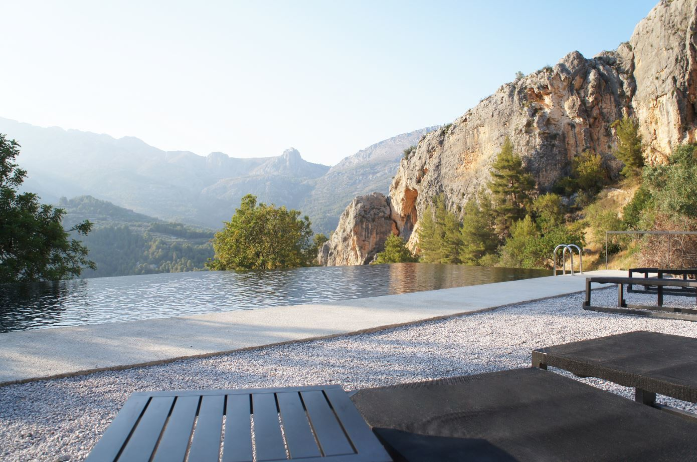 Piscina del hotel Vivood Landscape en Alicante.