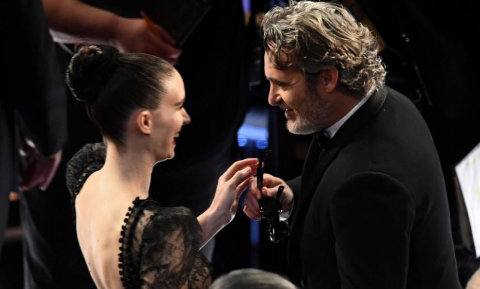 Joaquin Phoenix y Rooney Mara durante la gala de los Premios Oscar...