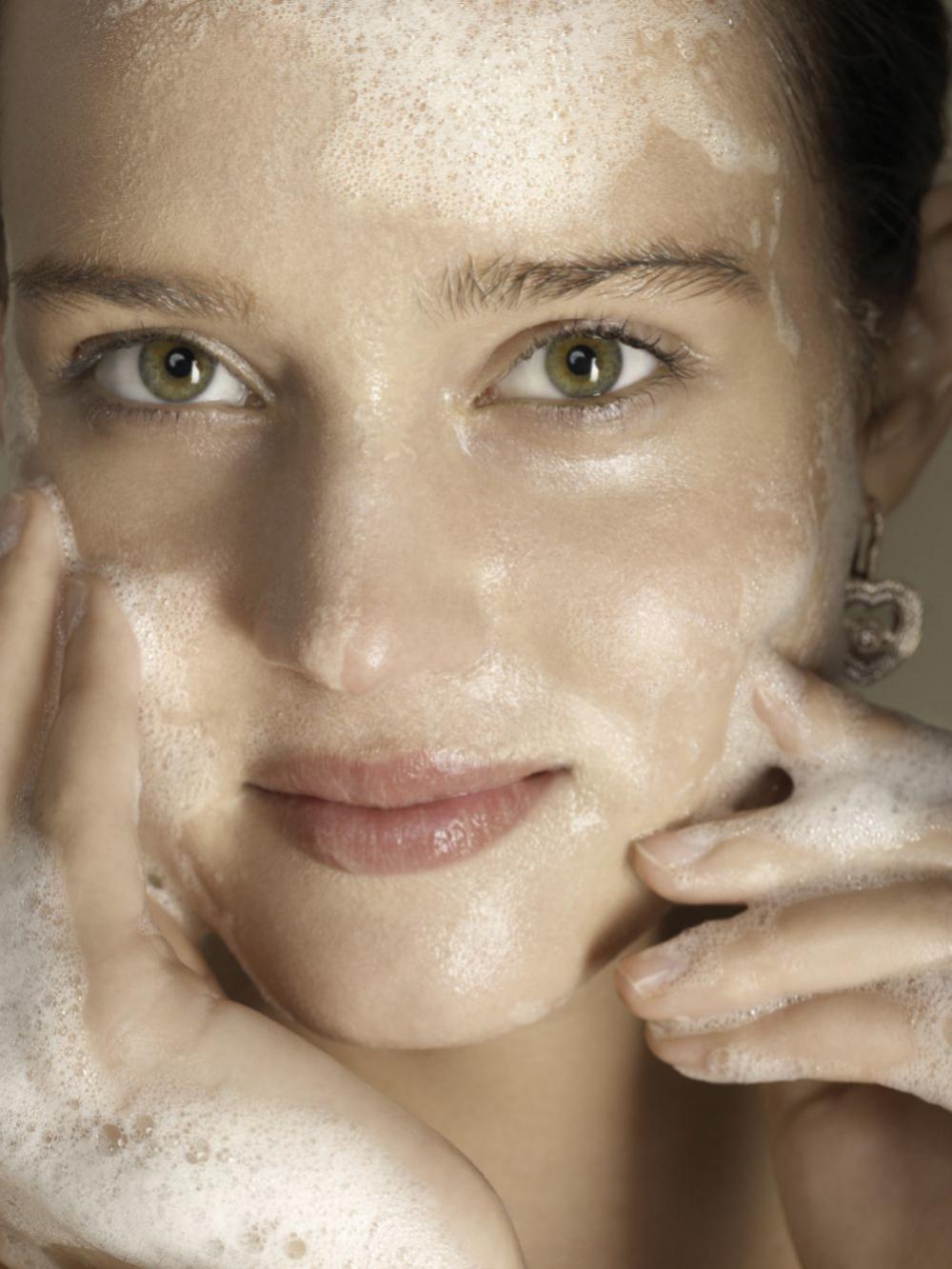 Una higiene adecuada es esencial para combatir el acné.