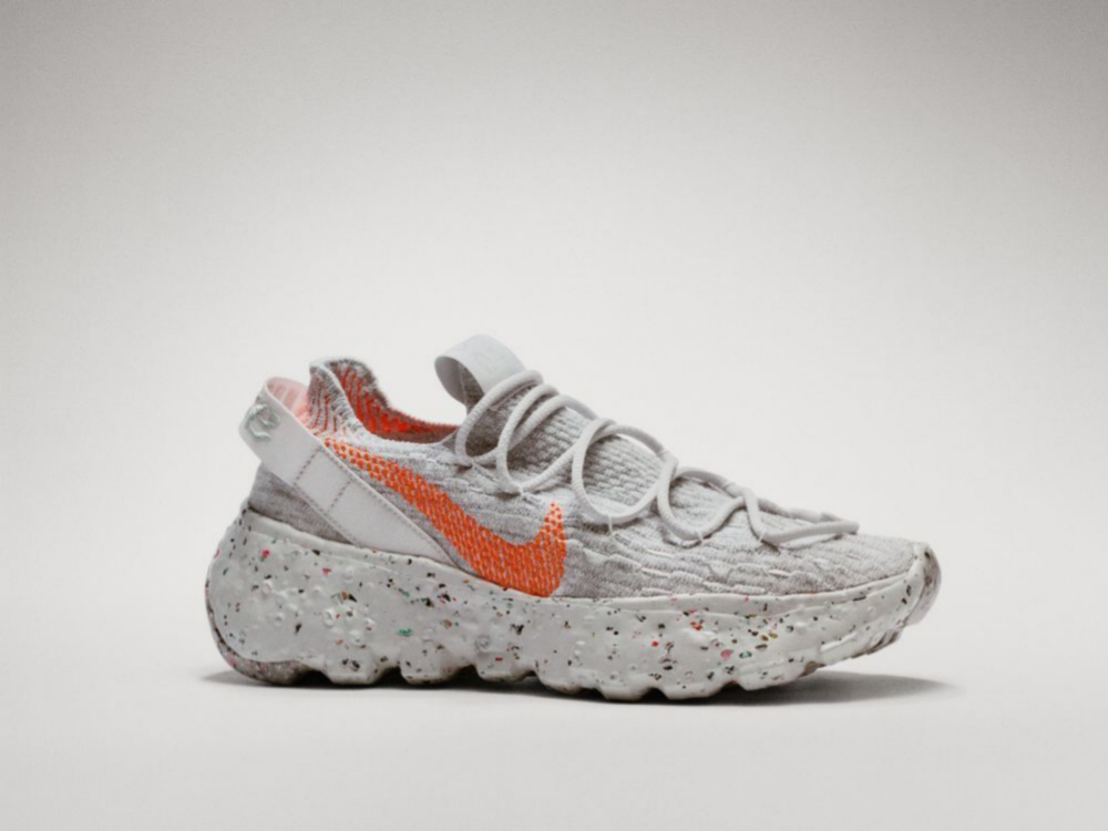 Creada con material reciclado, Nike.