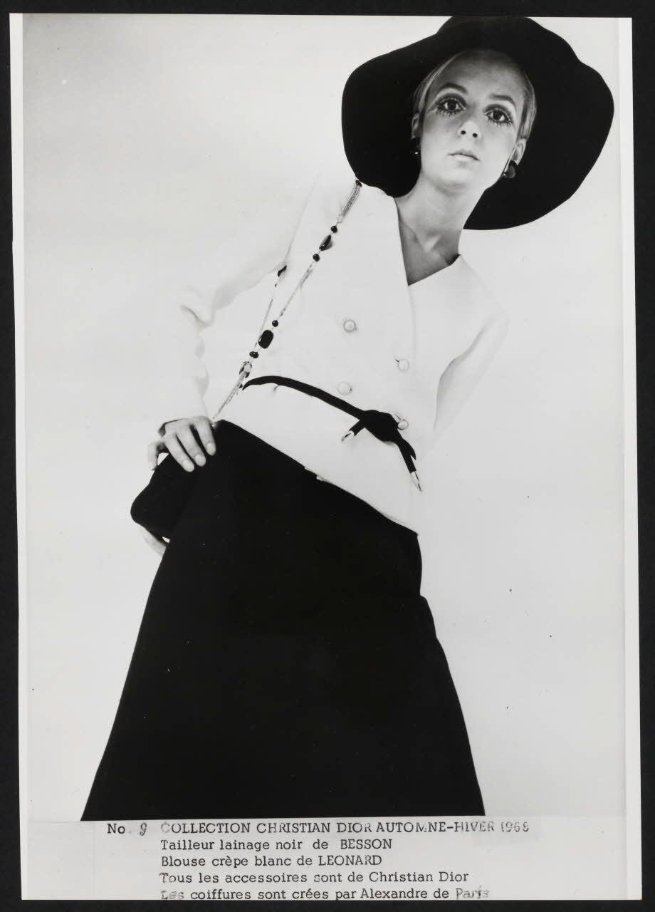 Traje de la colección de Alta Costura de 1968 de Christian Dior por Marc Bohan. © Dior