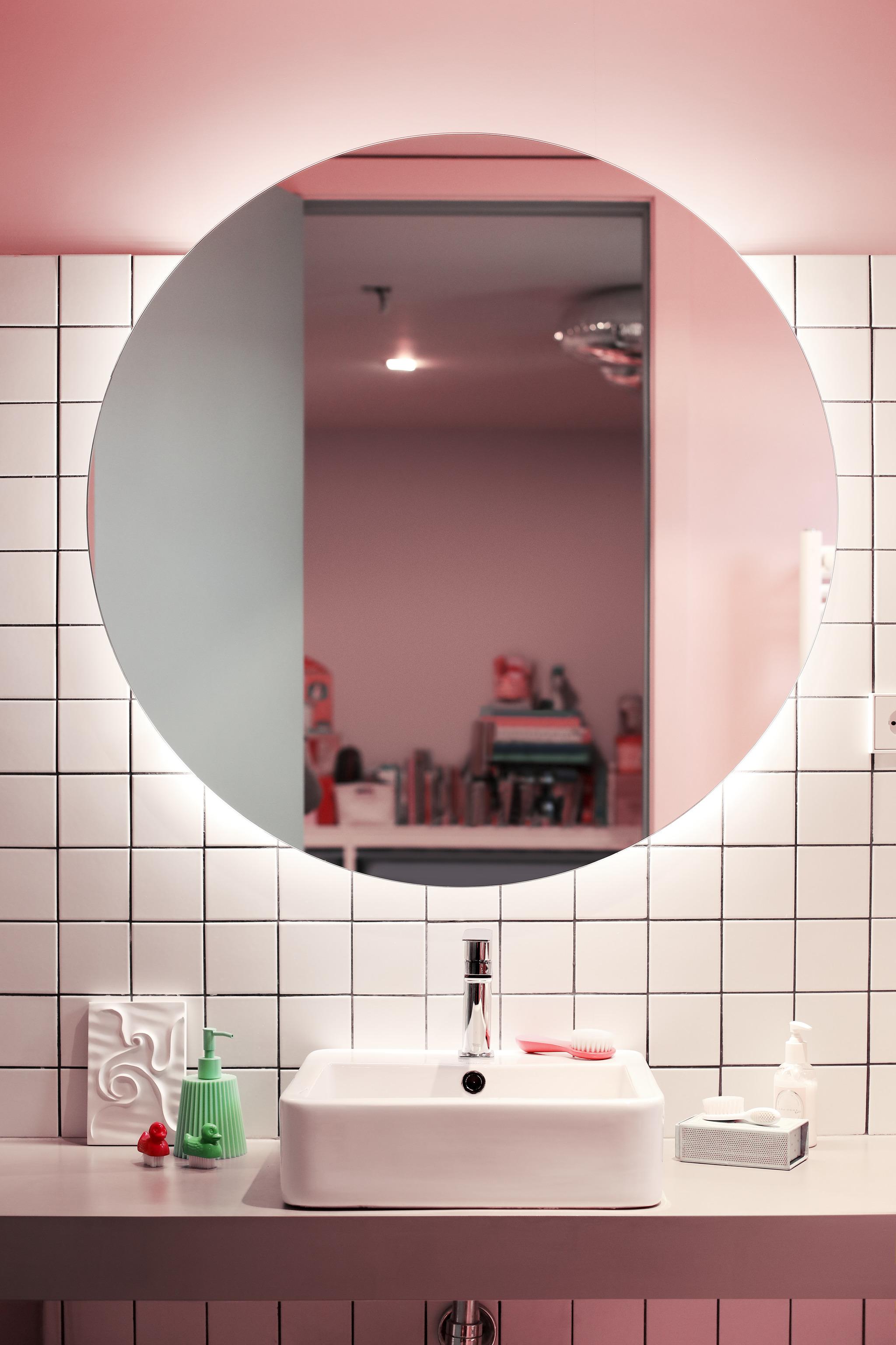 Cuarto de baño infntil en casa de la interiorista Cristina Cirera.