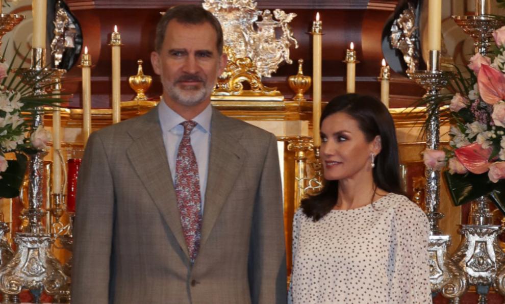 El rey Felipe junto a la reina Letizia en la iglesia de Nuestra Se