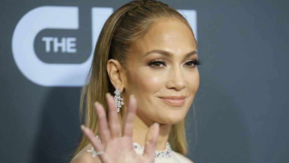 Jennifer Lopez ha demostrado una vez más que los 50 pueden ser una de...
