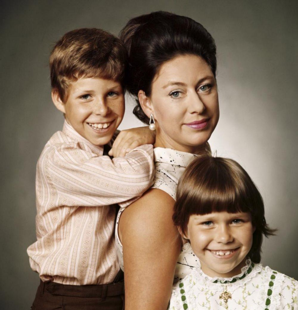 Con su madre Margarita y su hermana Sarah.
