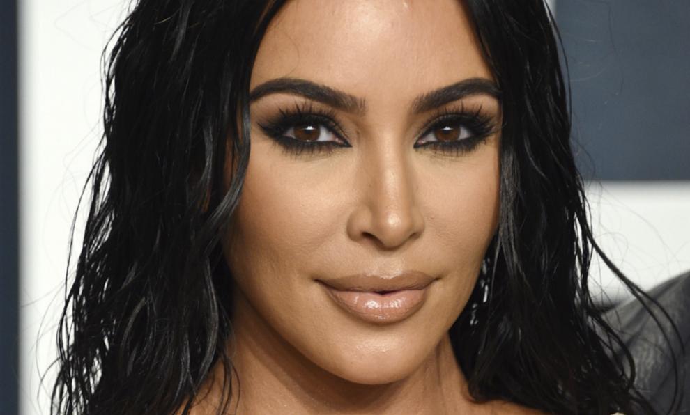 Kim Kardashian en la fiesta tras la entrega de los Premios Oscar 2020.