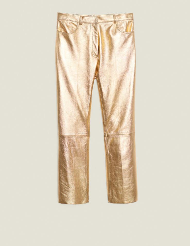 Pantalón de piel corte straight en dorado y tiro alto de Sandro (c.p.v)
