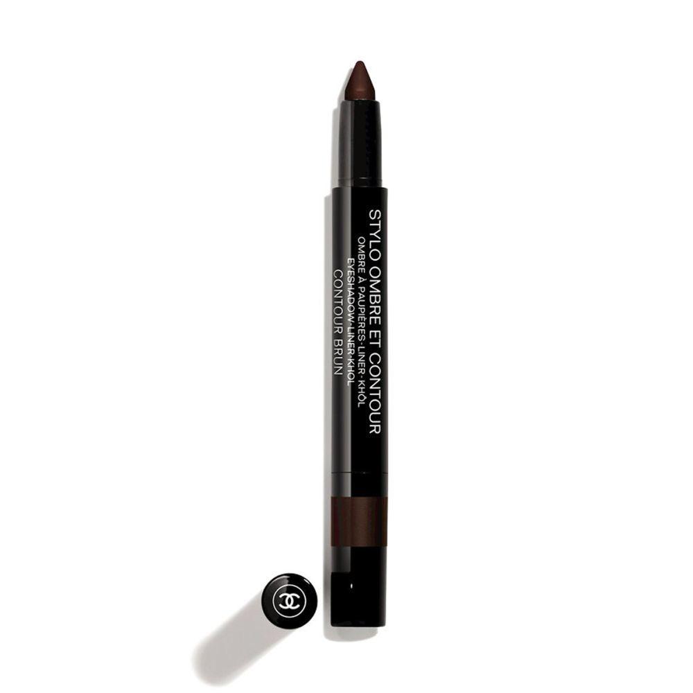Lápiz de ojos Ombre et Contour Brun de Chanel (C.P.V.) para hacer tu eyeliner difuminado en marrón oscuro.