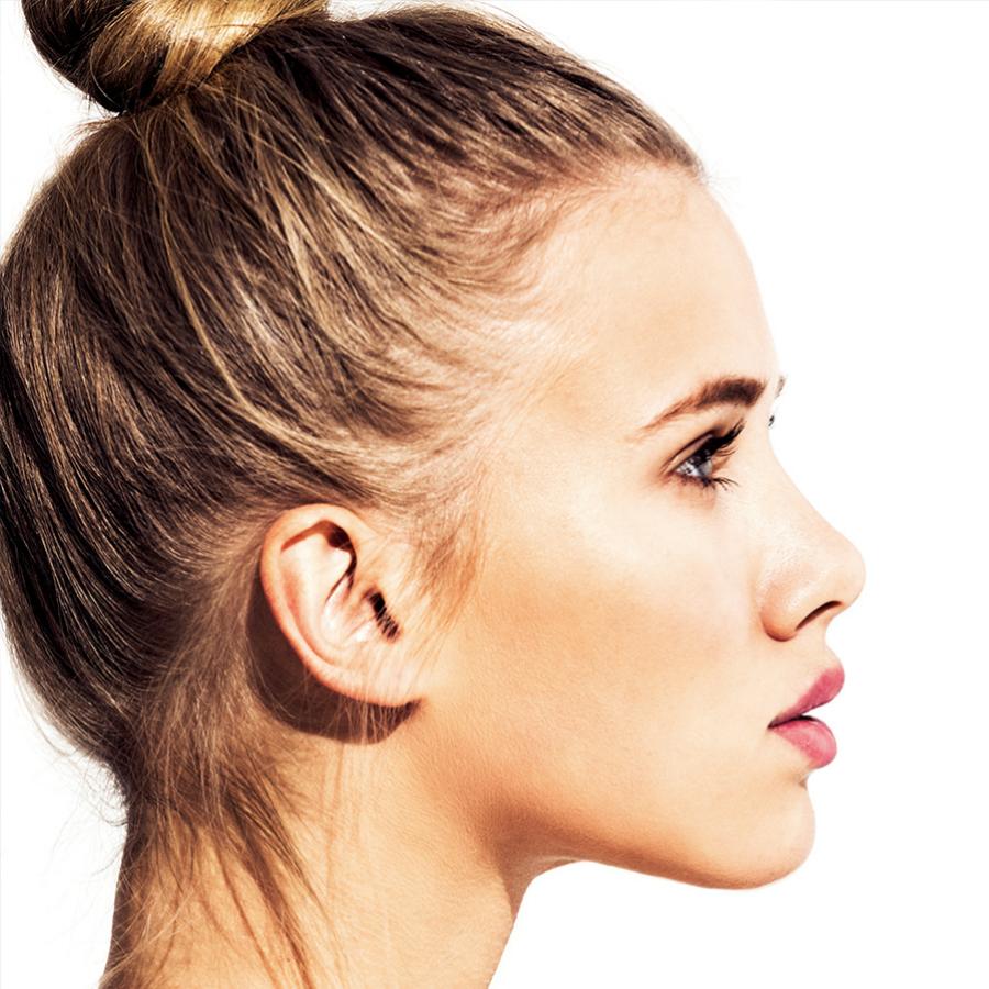 El aceite de jojoba se aplica en rostro, pelo y cuerpo.