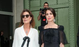 Carolina de Mónaco y su hija Carlota Casiraghi en un acto en el...