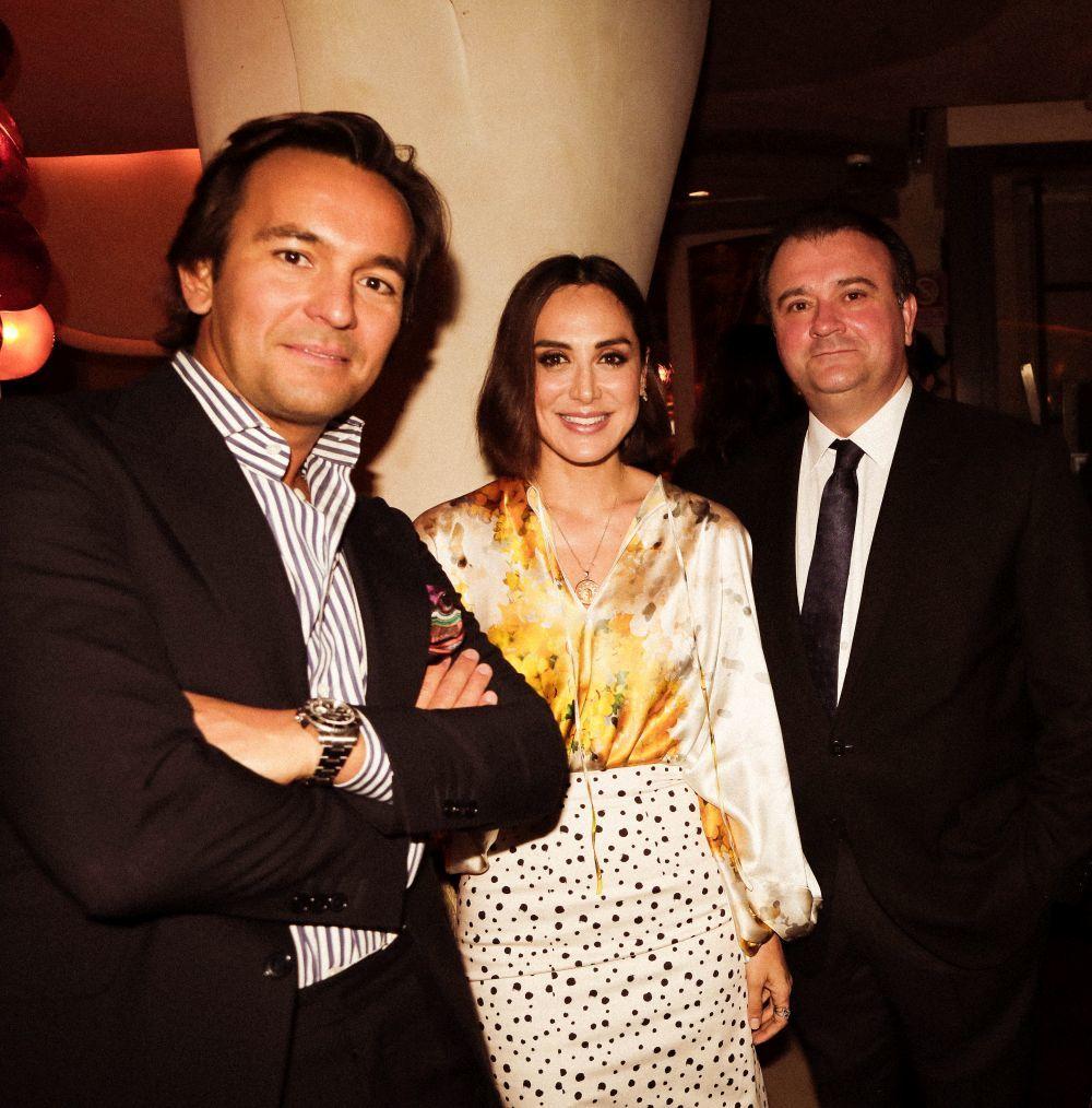 Alejandro Bataller, vicepresidente de Sha Wellness junto a Tamara Falcó y Álvaro Artiach, director general de Sisley España.