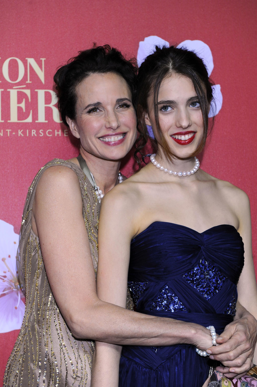 La actriz Andie MacDowell y su hija Margaret Qualley.