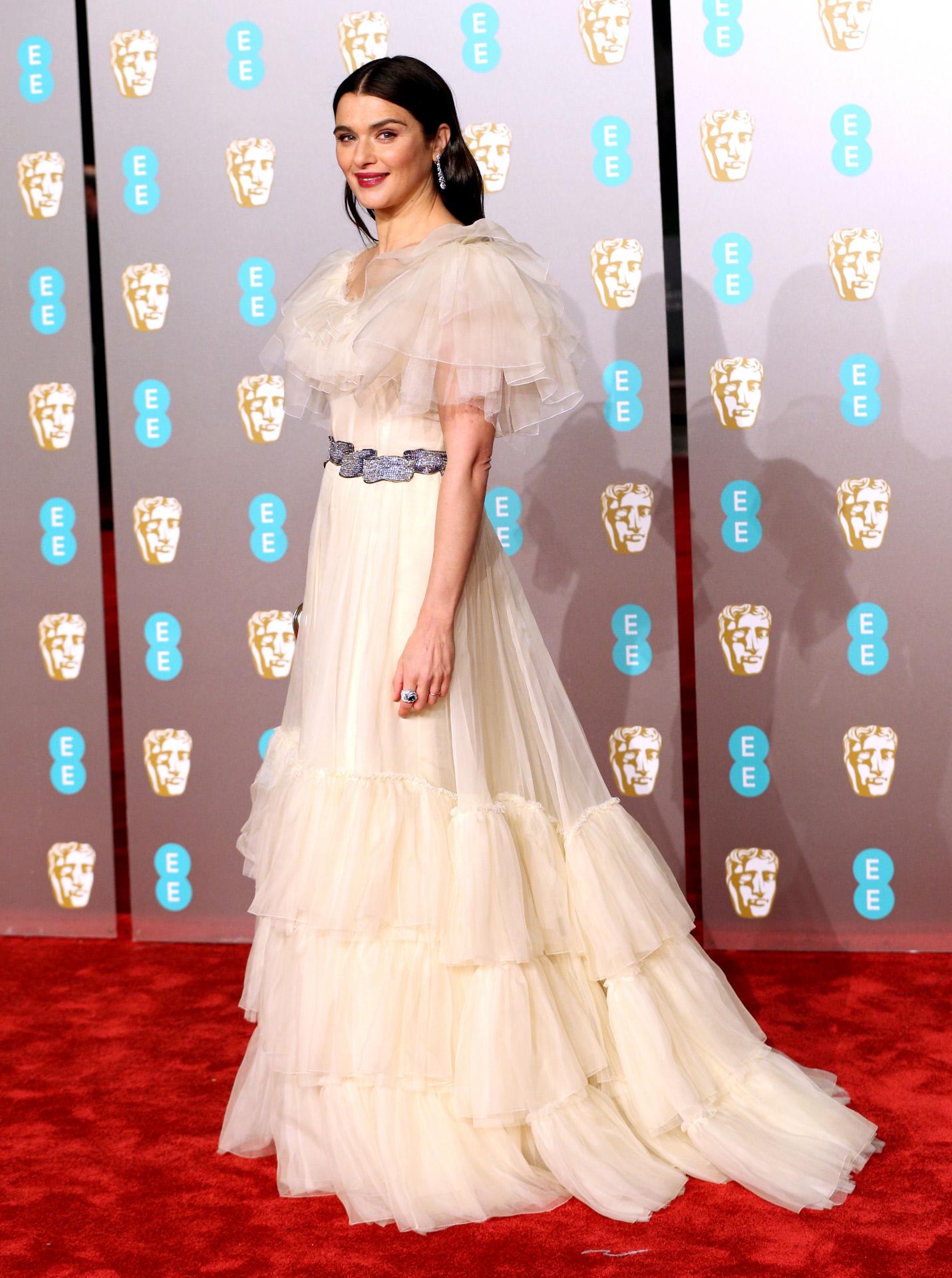 En los BAFTA, Londres, 2019. Vestida por Gucci.