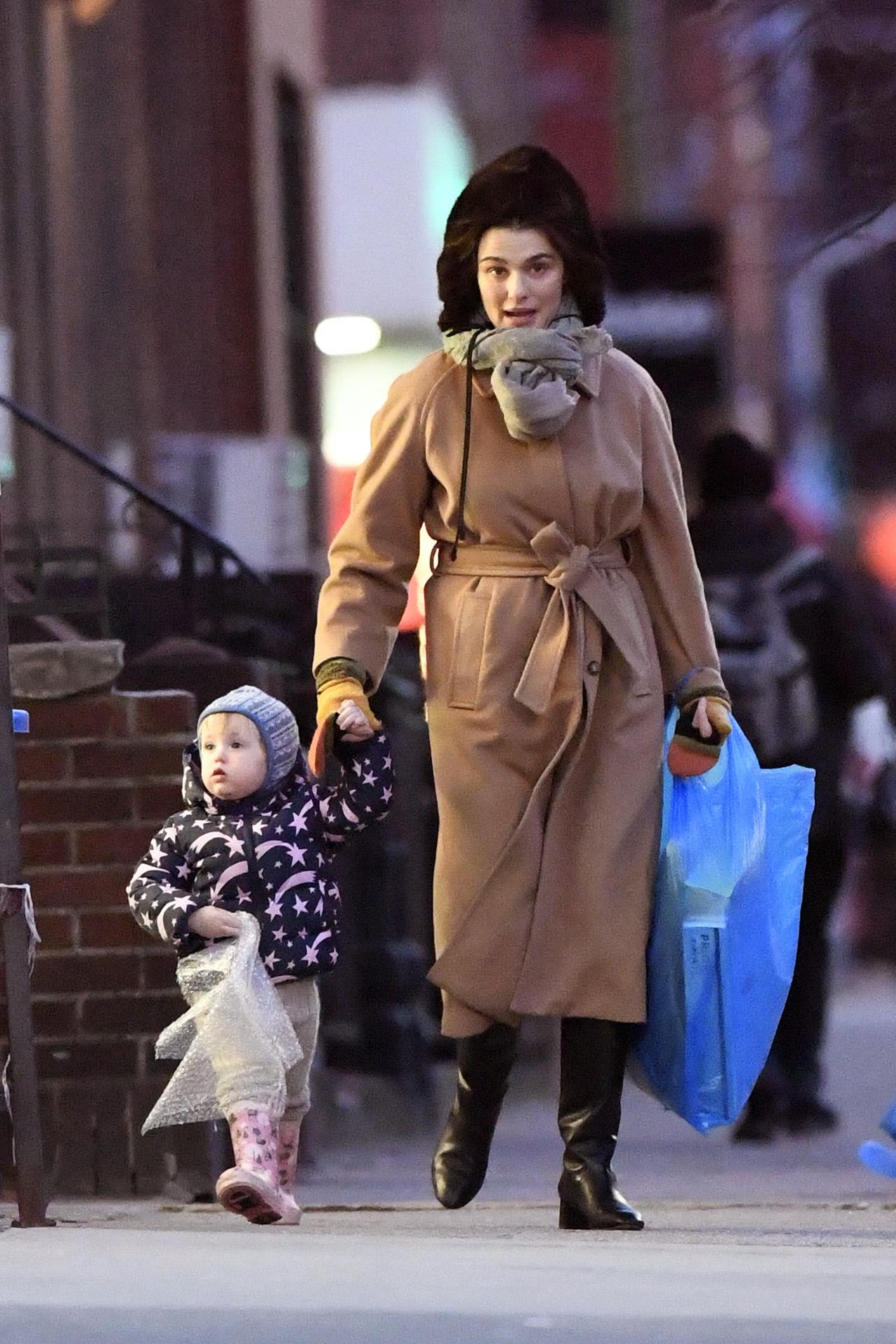 En las calles de Nueva York, con su hija.