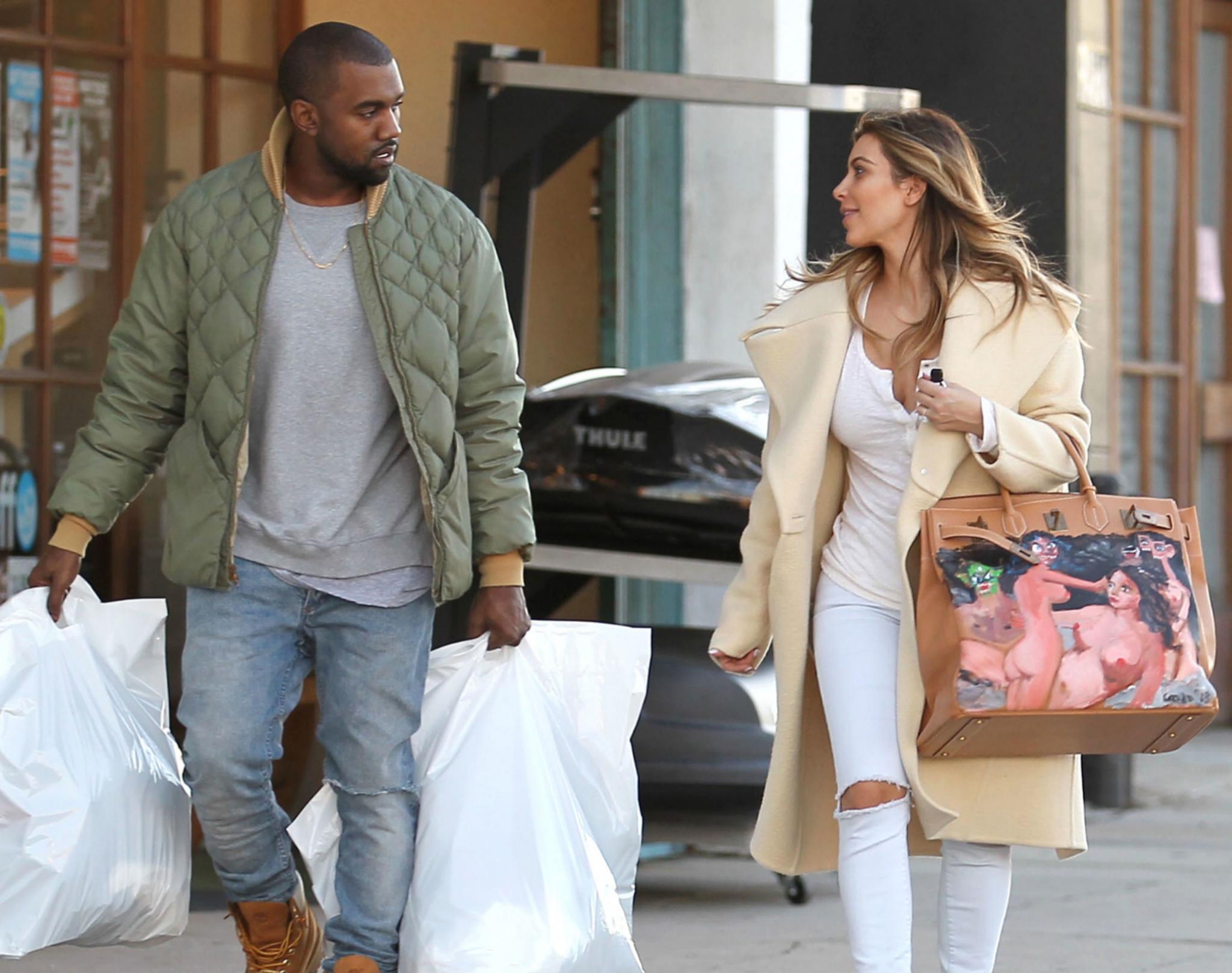 Kim Kardashian estrena el Birkin de Hèrmes en 2013 junto a Kanye West