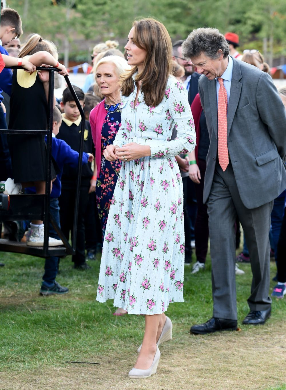 Kate Middleton con vestido print floral.