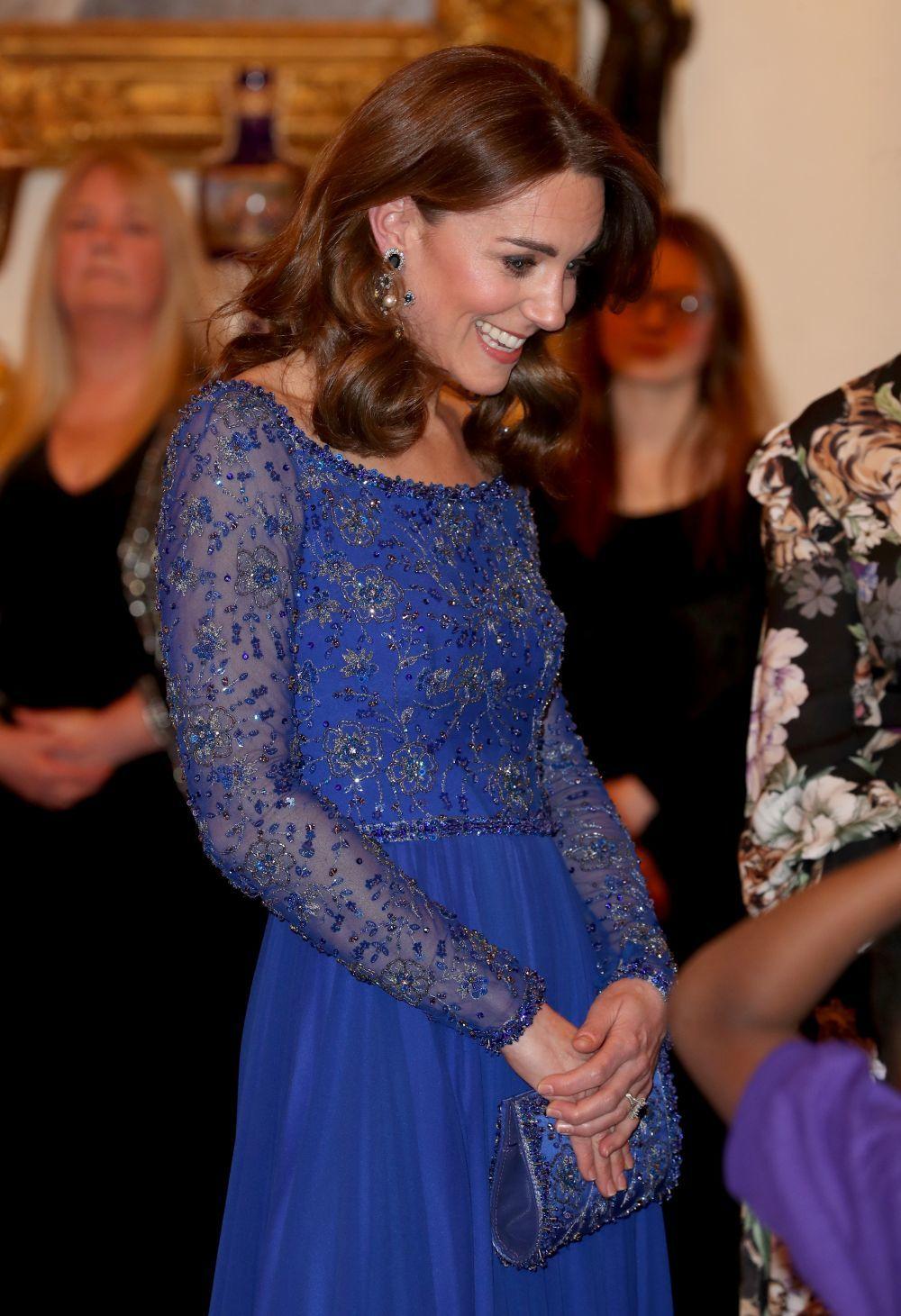 Kate Middleton con pendientes de Erdem.