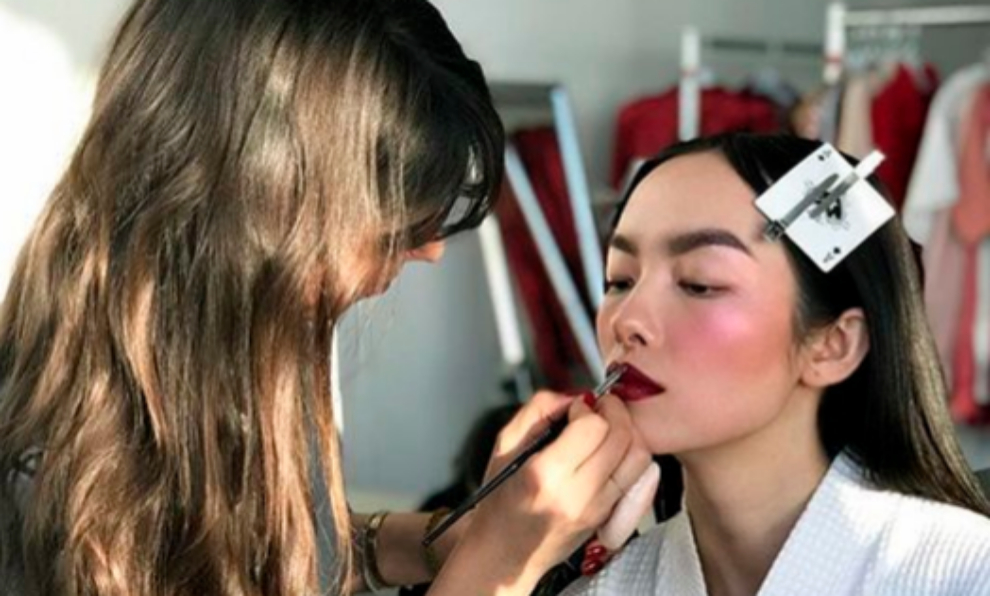Los trucos de maquillaje, pelo y cejas que puedes aplicar en casa