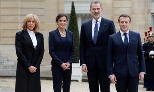 Los Reyes junto a los Macron.
