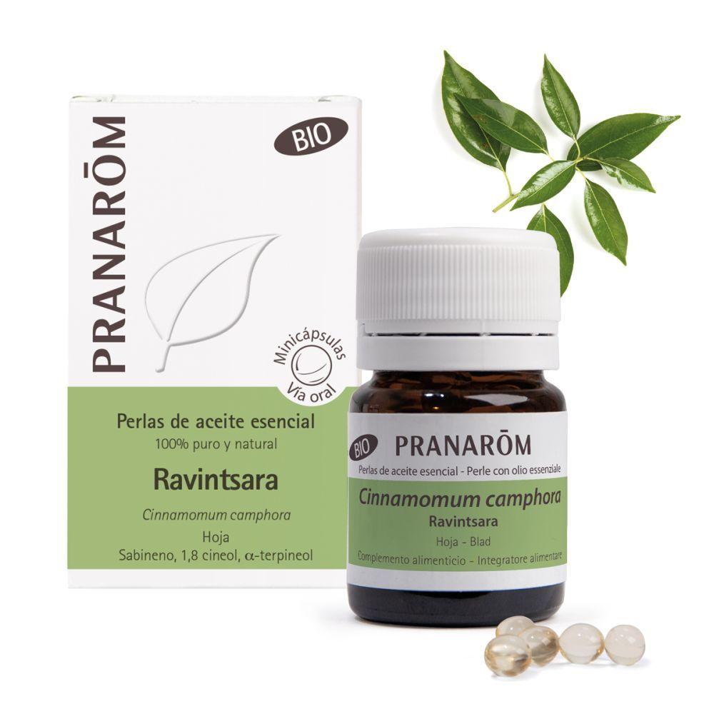 Aceite esencial de Ravintsara, ingrediente natural que se emplea para combatir infecciones virales y estimular las defensas.