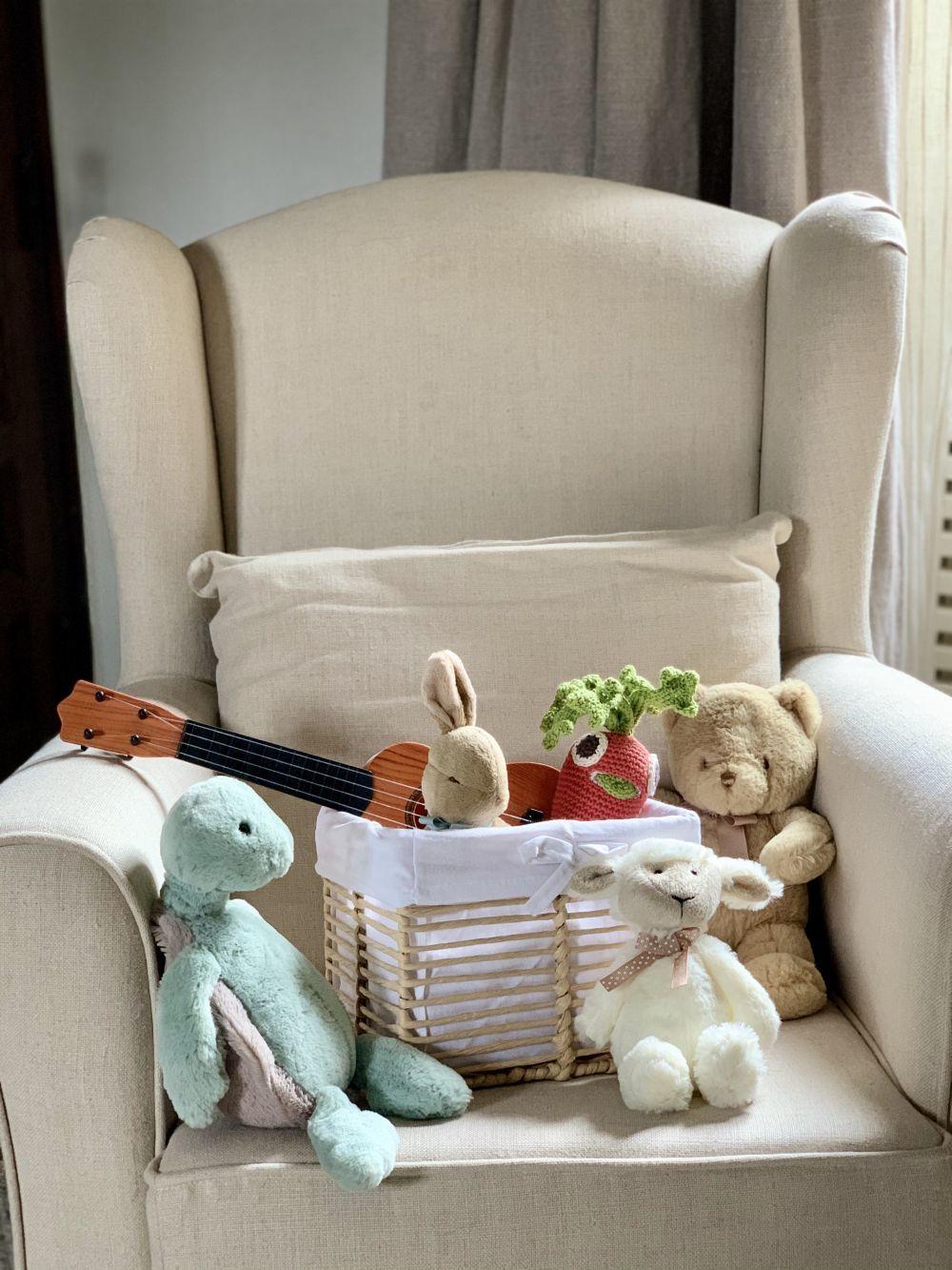 En el cuarto de Pepito, alguno de sus juguetes.