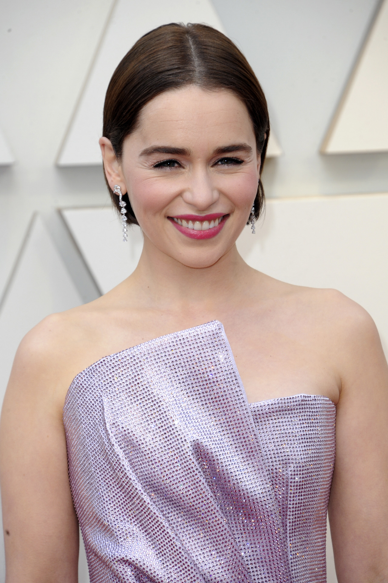 El cuidado de la piel es un mandamiento para la actriz Emilia Clarke.