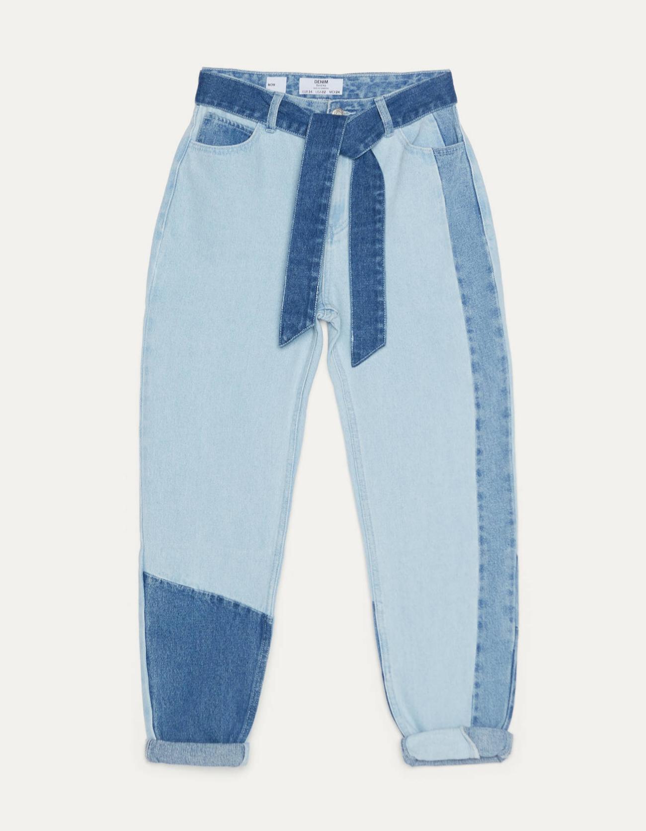 <em>Mom jeans</em> con efecto <em>patchwork</em> y cinturón de Bershka (29,99¤)