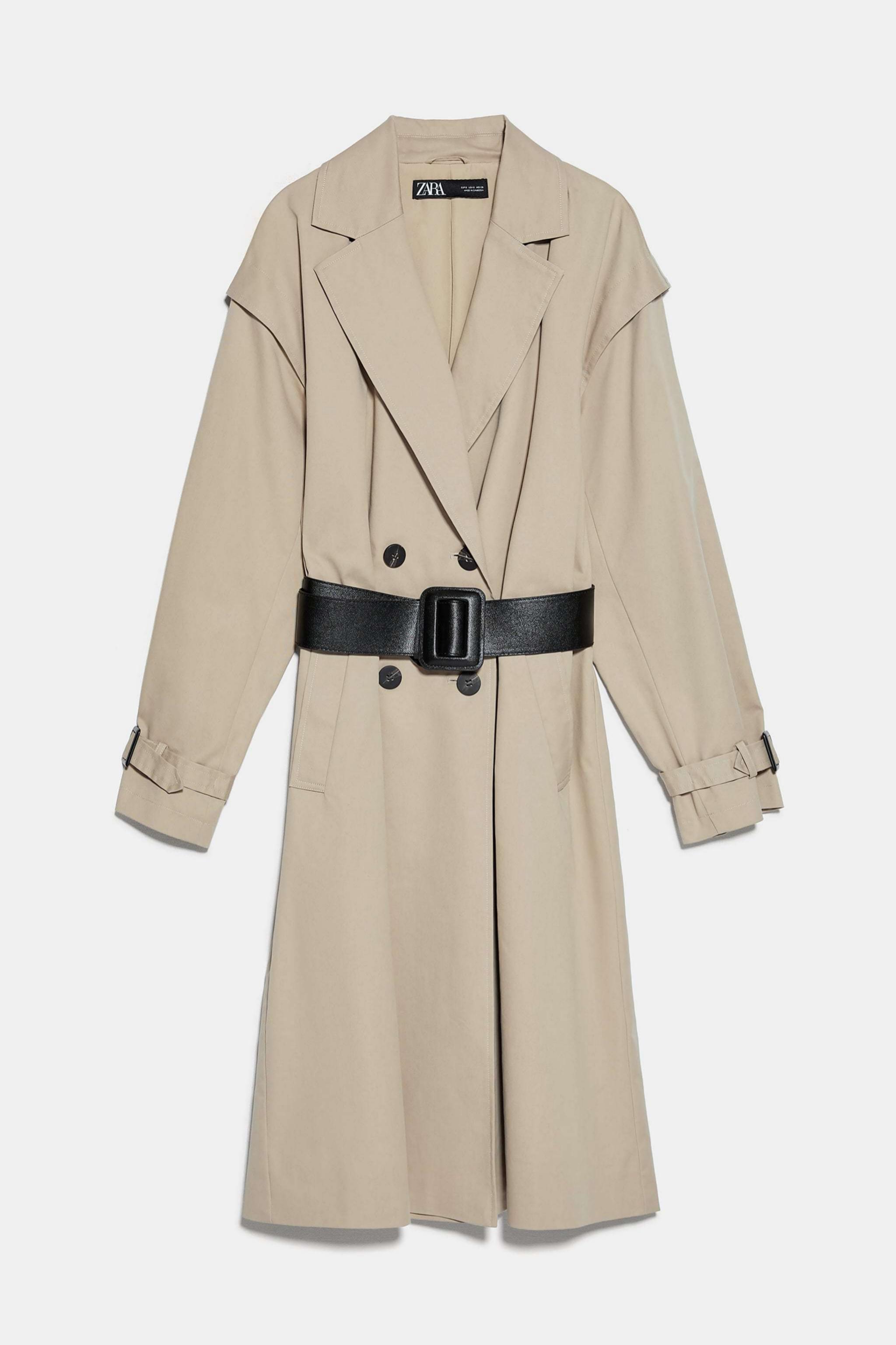 Gabardina <em>oversized</em> con cinturón de Zara (69,95¤)