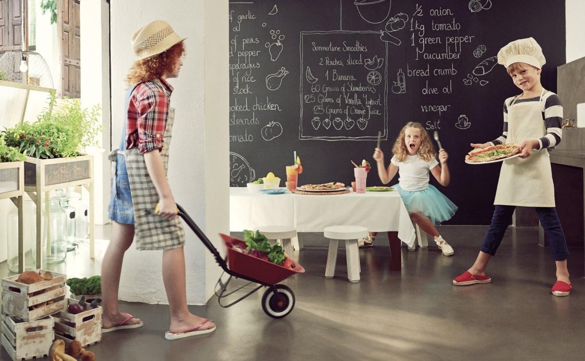 Pasar tiempo con los más pequeños dentro de casa es una de las ventajas del estado de alarma.