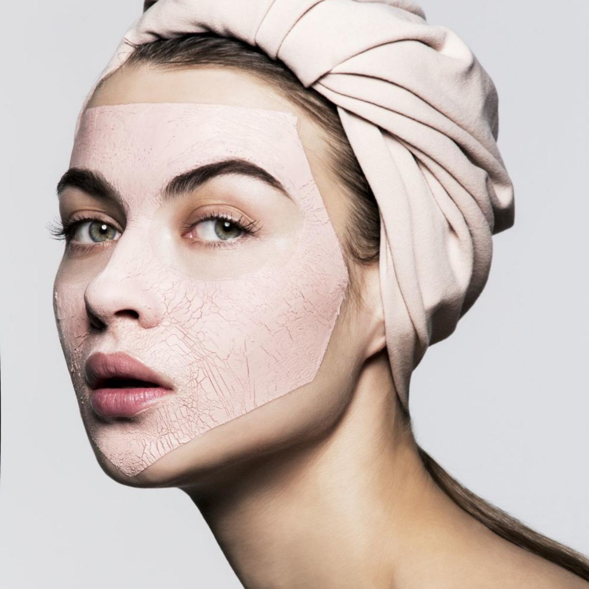 Disfruta mucho más de tu momento mascarilla de cara más tiempo y sin prisas para conseguir una piel más bonita.
