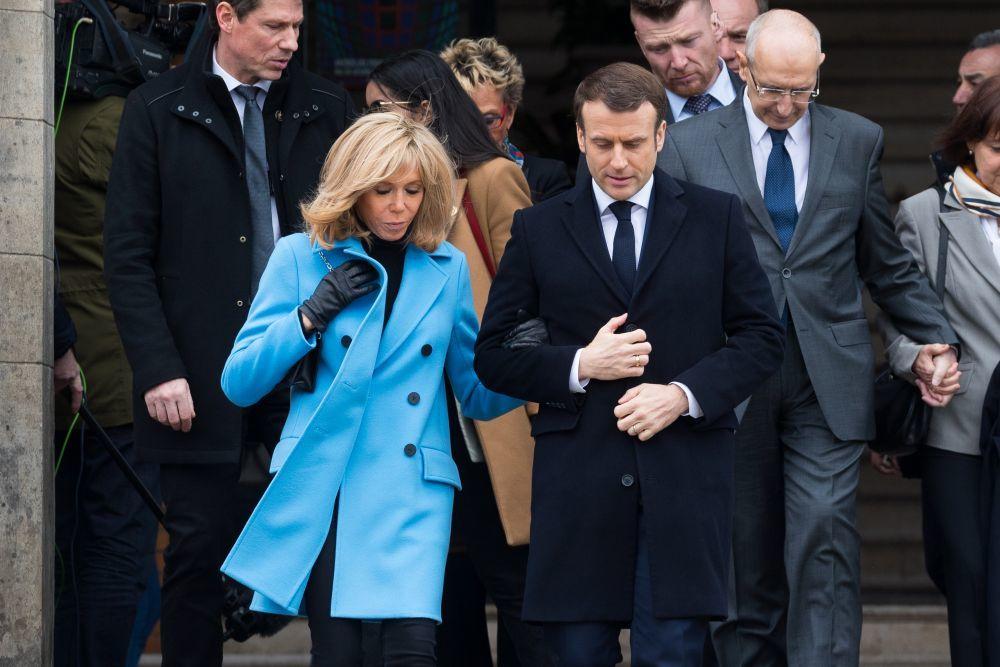 Los Macron ayer durante las elecciones municipales.