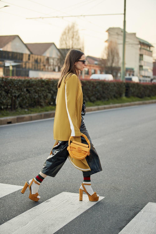 Look visto en las calles de Milán durante la Fashion Week del pasado febrero de 2020.