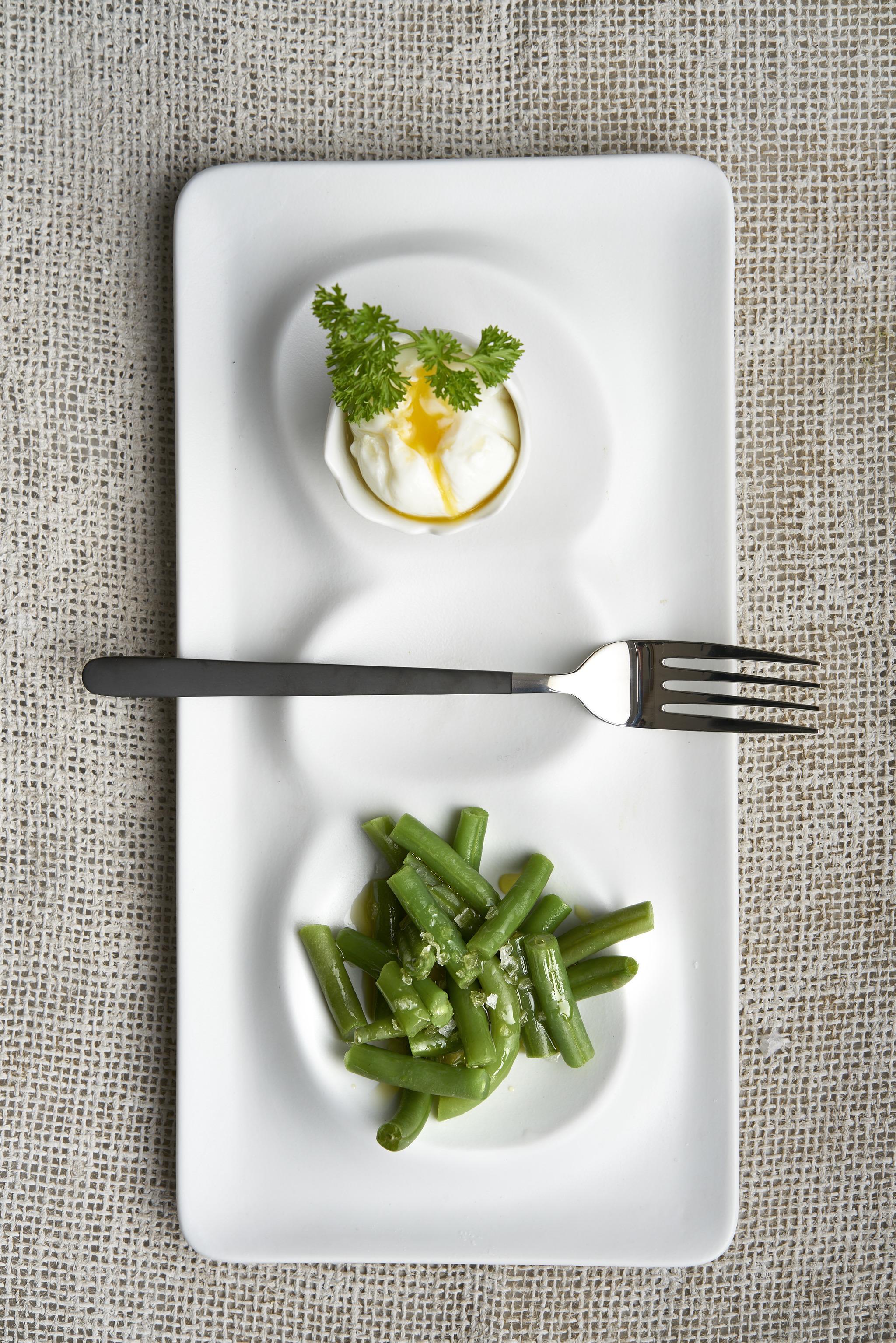 Judías verdes con huevo poché