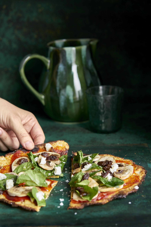 Aprovecha la cuarentena por coronavirus para cocinar: la pizza casera es una buena opción.