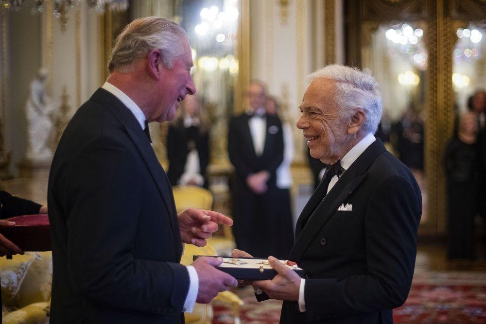 Ralph Lauren junto al príncipe Carlos de Inglaterra