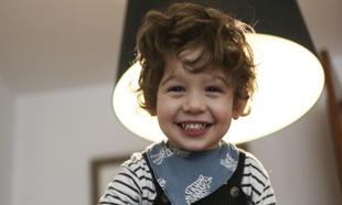 """Fernando (""""Fer"""" en su casa), tiene 4 años y es autista."""