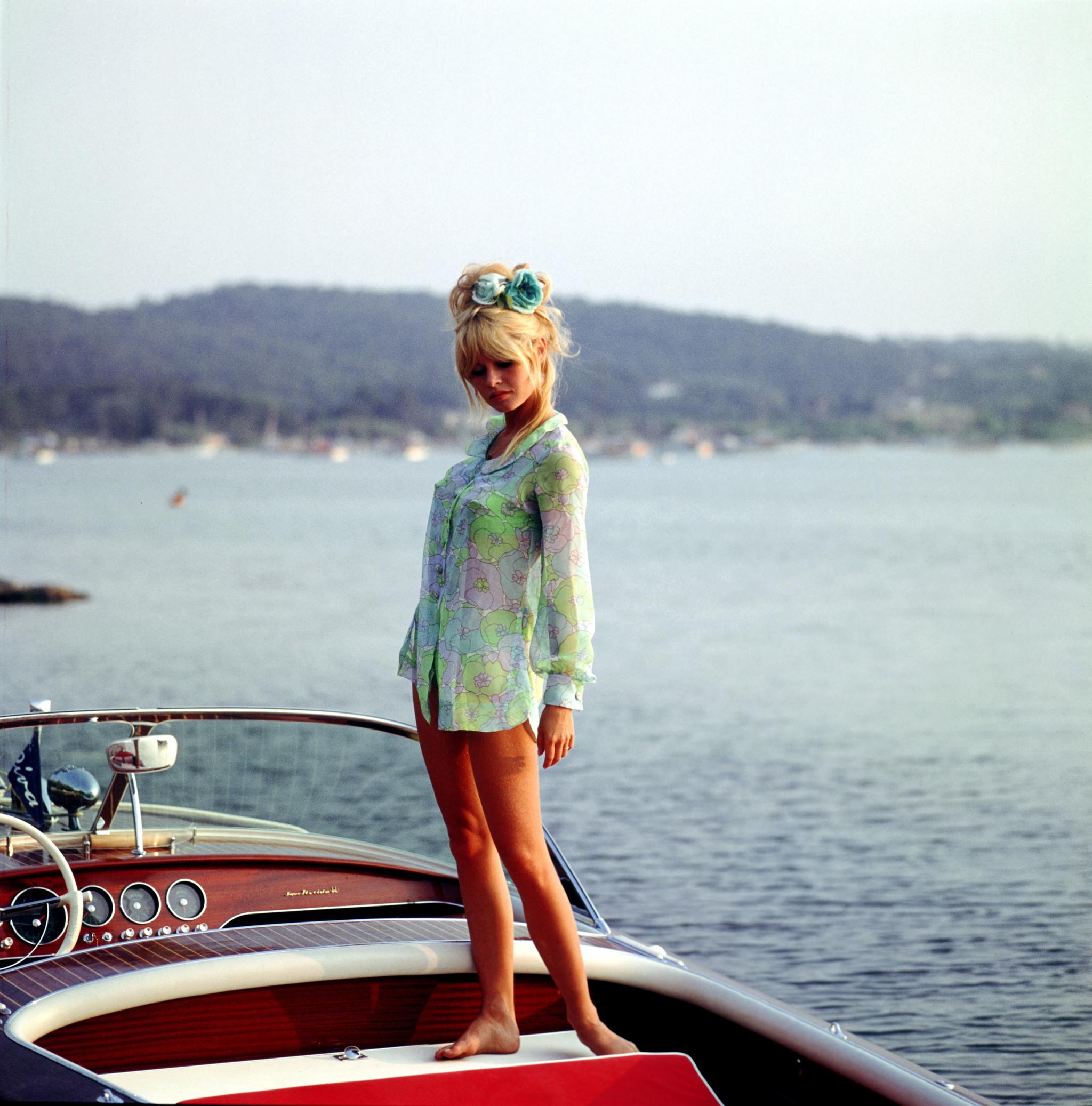 Brigitte Bardot en 1962  en Saint-Tropez, France.
