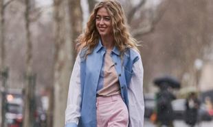 Los jeans rosas son tendencia esta temporada