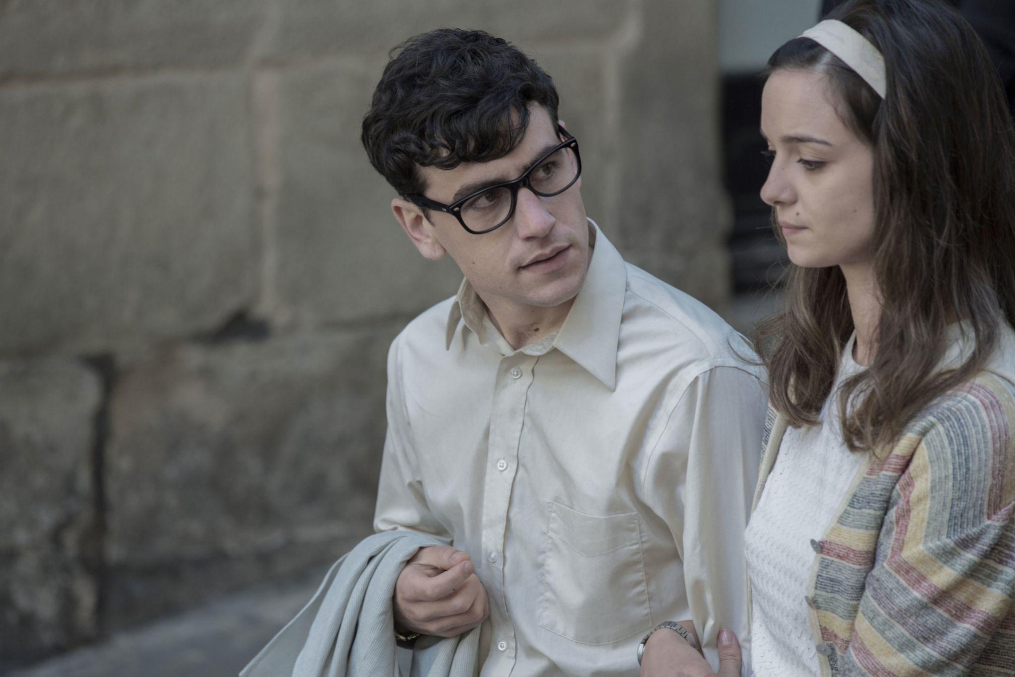 Àlex Monner y Amaia Sagasti en La línea invisible