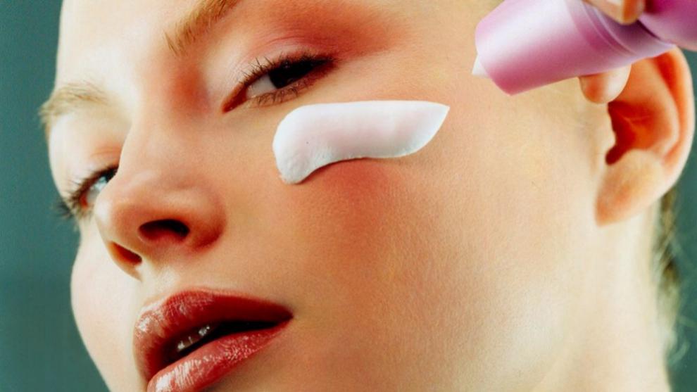 Es poco probable que un cosmético se pueda contaminar por...