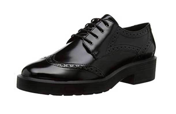 Zapatos Oxford de GEox (119 euros).