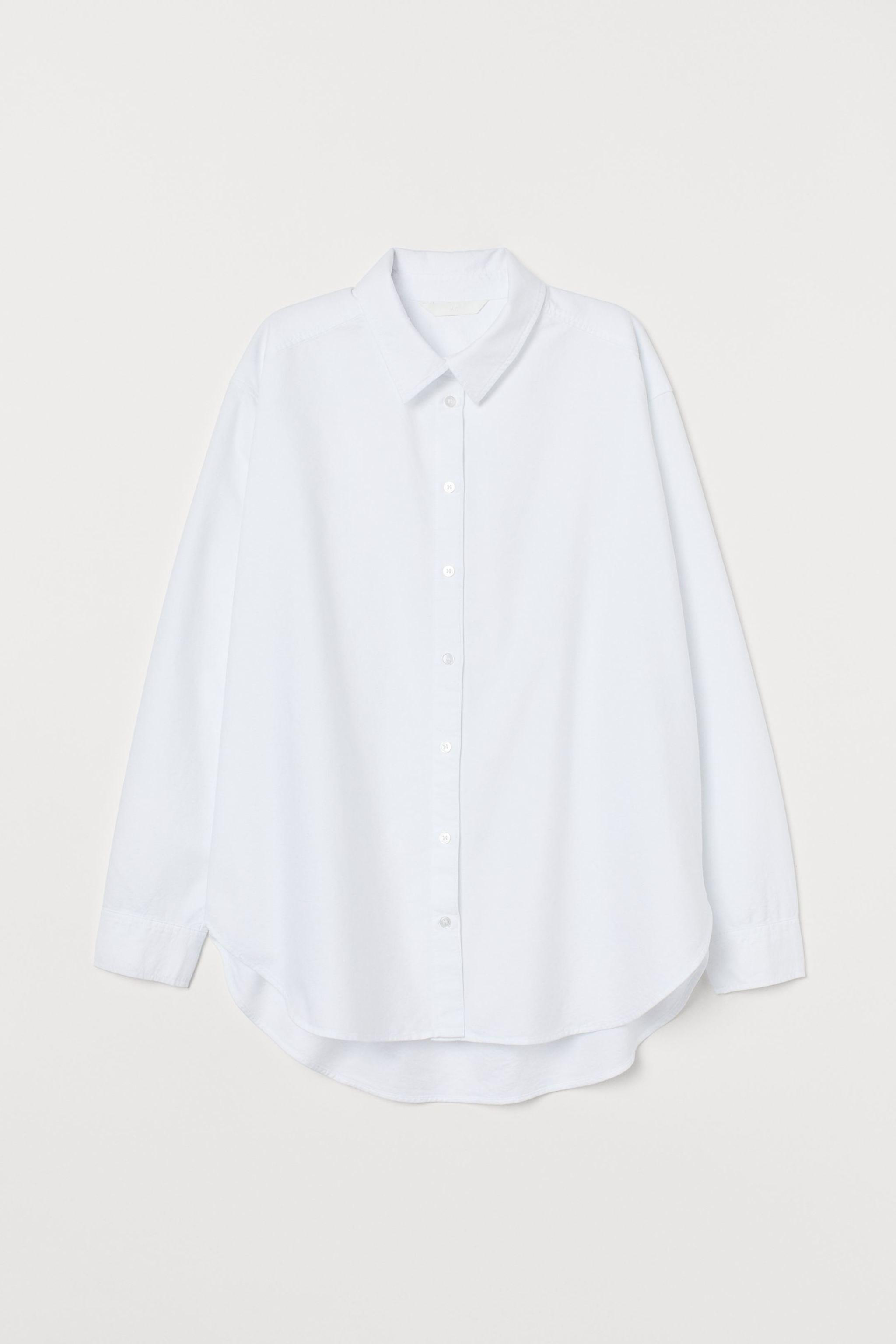 Camisa blanca de H&M (19,99 euros).