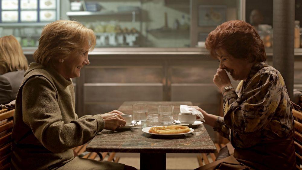 Las actrices Elena Irureta y Ana Gabarain interpretan a Bittori y Miren, las dos grandes protagonistas de la novela y de la serie de HBO.