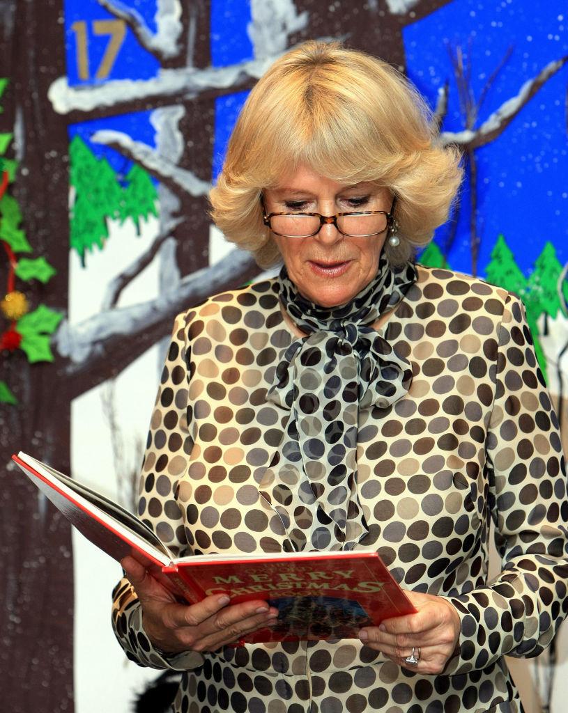 Camilla en una lectura pública.