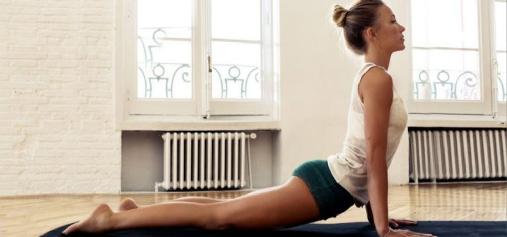 El yoga combina beneficios para cuerpo y mente, pero además te ayuda...