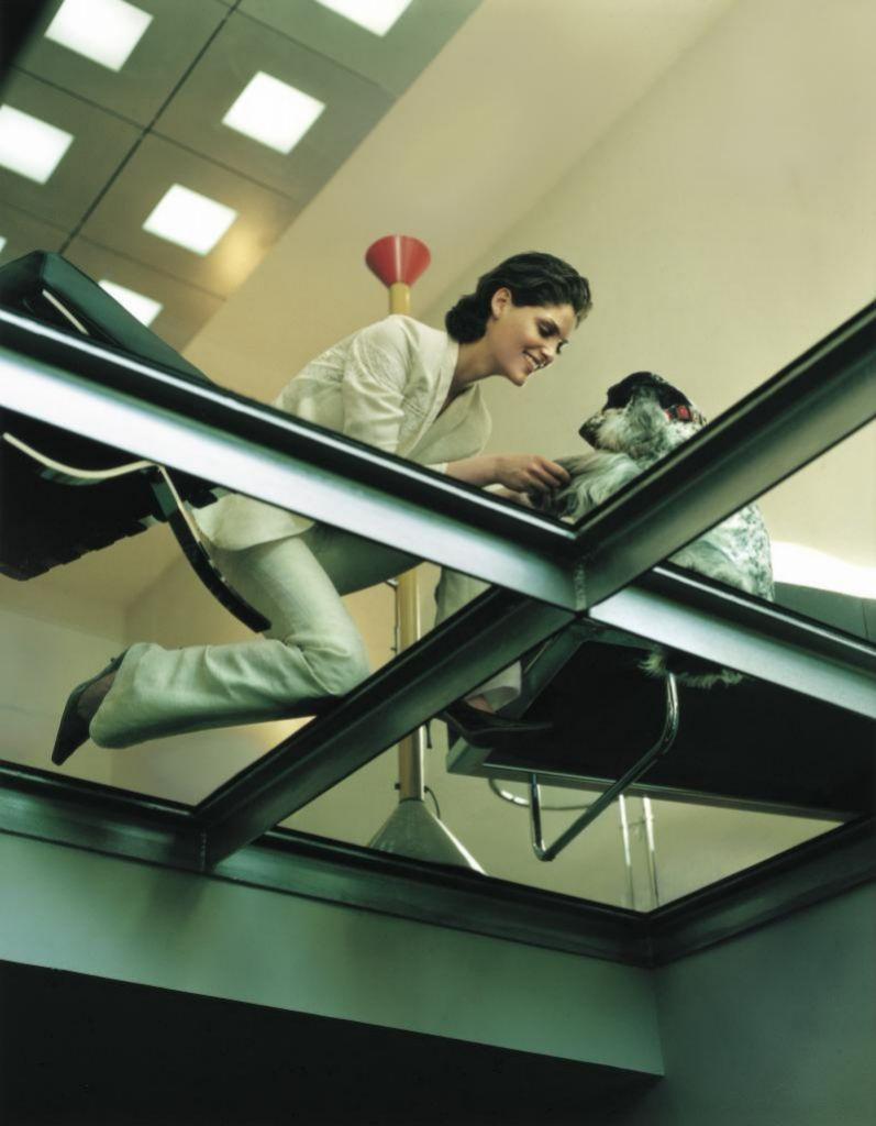 Habilita un espacio propio, por pequeño que sea, y dedícalo sólo al trabajo.