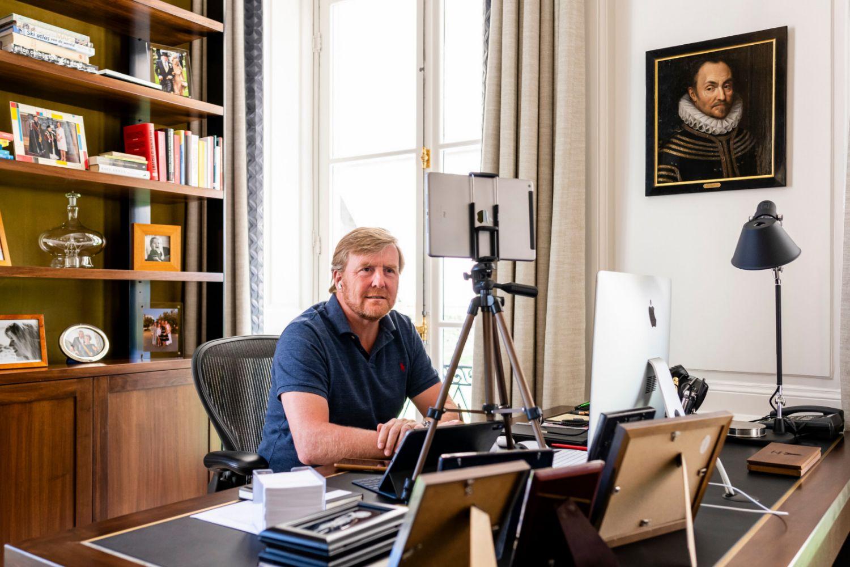 Guillermo de Holanda en su despacho.