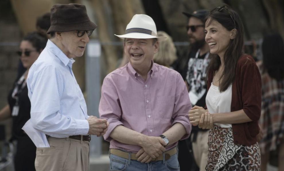 Woody Allen le da instrucciones a Wally Shawn y Elena Anaya durante el...